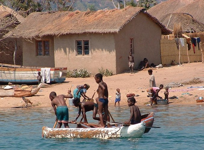 MALAWI: Community Volunteer Program