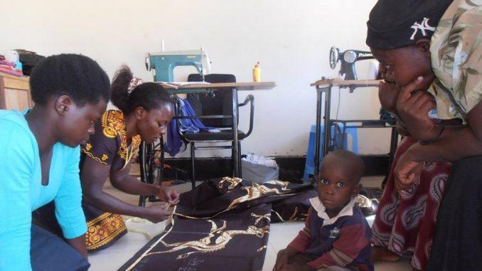 Women Volunteering Project Uganda